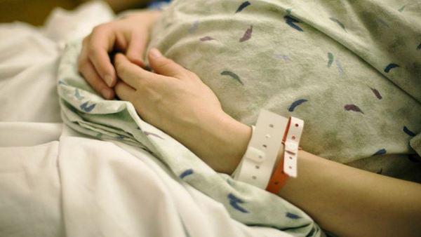 Tanara insarcinata in 5 luni, infectata cu COVID-19 a murit