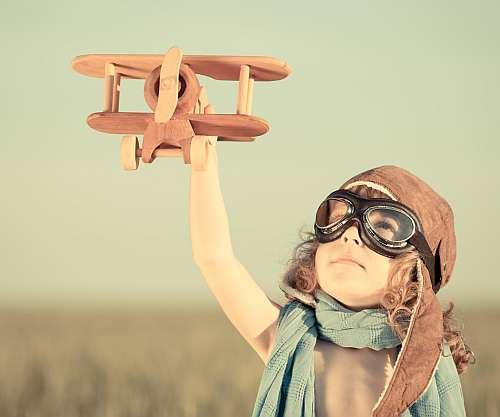 5 lucruri esentiale pentru fericirea copilului