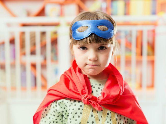 Fetitele trebuie sa invete sa fie curajoase, nu perfecte