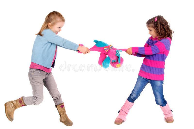 Copiii mici care nu impart lucrurile nu sunt nici rai, nici needucati