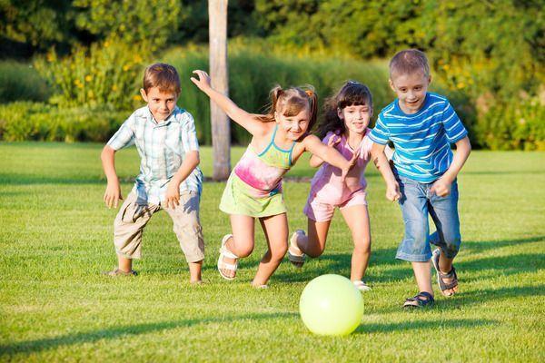 Beneficiile fotbalului pentru baiatul tau. La ce scoli il poti inscrie daca este pasionat de sportul lui Hagi