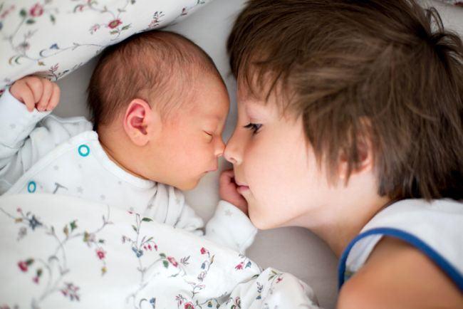 Este primul nascut mai inteligent decat fratii lui?