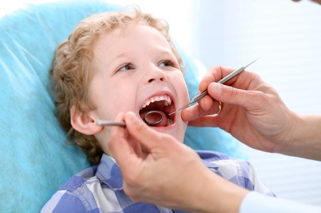 Frica de dentist - Cum inlaturam teama copilului de medicul stomatolog