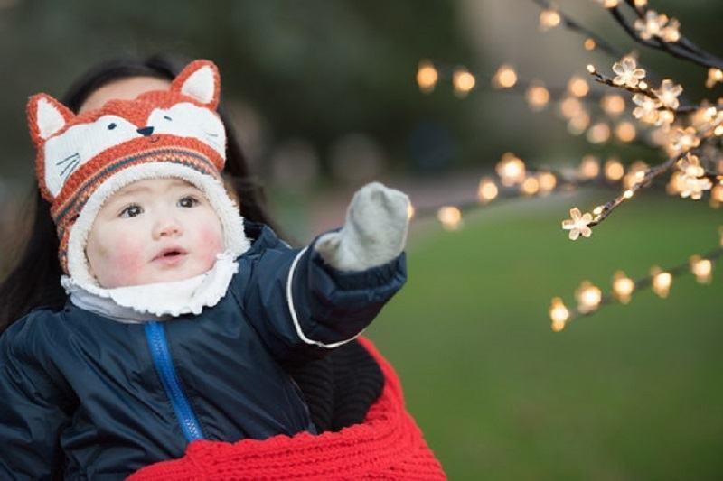 5 SEMNE care iti arata ca bebelusului tau ii este FRIG si are nevoie de putina caldura