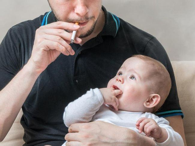 Un tata fumator si-a pierdut copiii in instanta din cauza acestui viciu