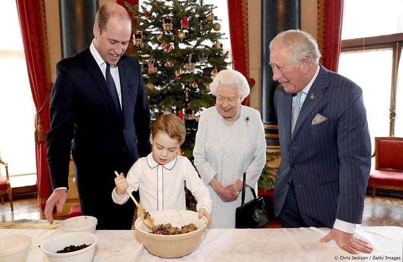 Regina Elisabeta si-a pus mostenitorii la treaba! Ce a gatit printul George