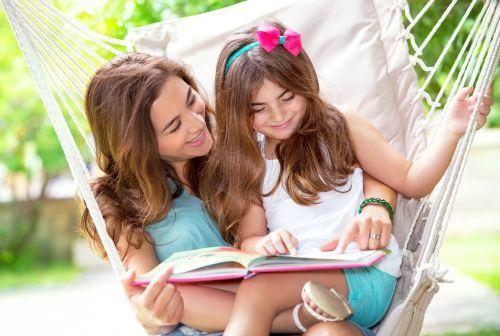 Ghidul cartilor pentru copilul tau. Ce carti trebuie sa ii cumperi in functie de varsta?
