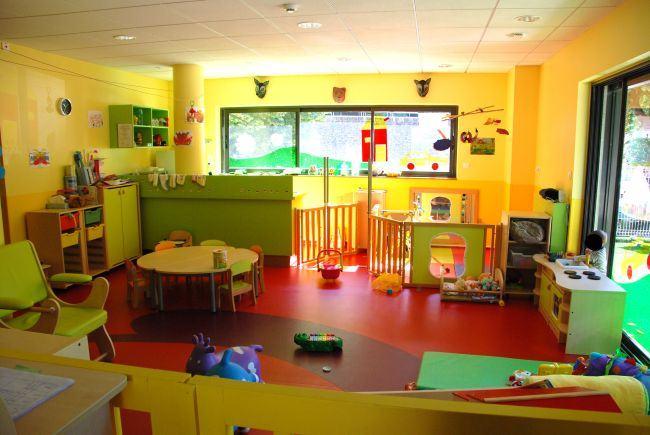 Directoarea unei gradinite din Sectorul 3, acuzata ca lua banii copiilor