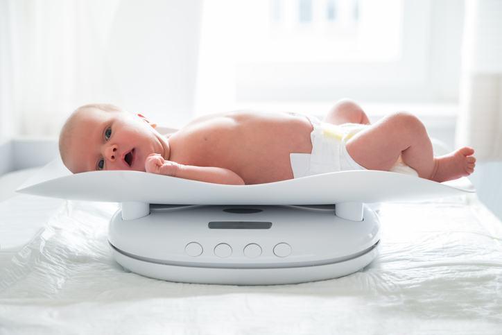 Greutatea bebelusului in primele patru luni de viata