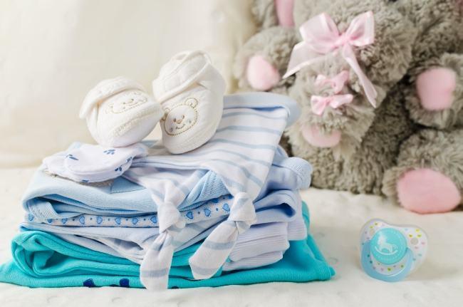 Cum sa-ti faci viata mai usoara la capitolul hainute de bebe