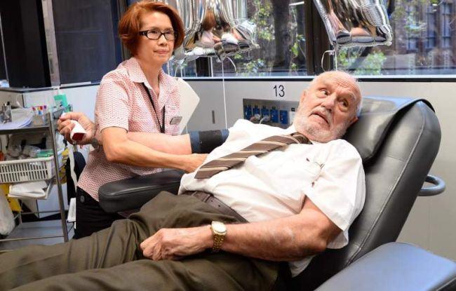A donat sange timp de 60 de ani si a salvat 2,4 milioane de copii: Probabil este singurul meu talent
