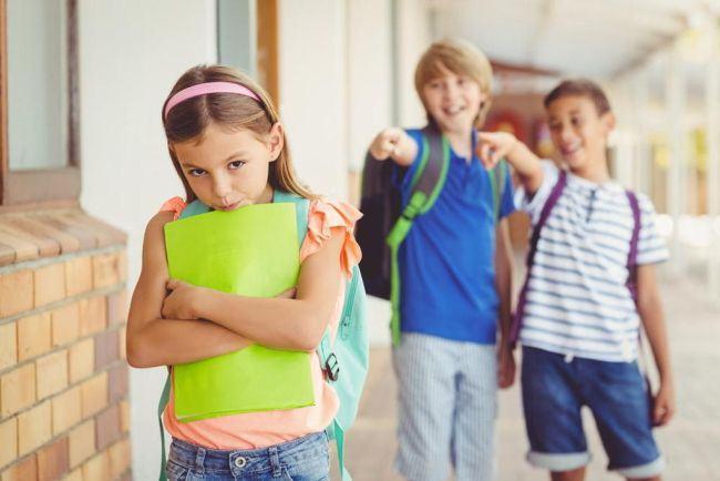 "Copiii romani, hartuiti in scolile din Marea Britanie: ""Au incercat sa imi arda parul"""