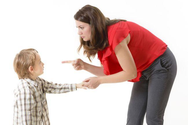 Semnal de alarma pentru parinti: De ce nu ar trebui sa tipi niciodata la copilul tau