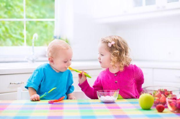 6 modalitati de a strecura iaurtul in alimentatia copiilor