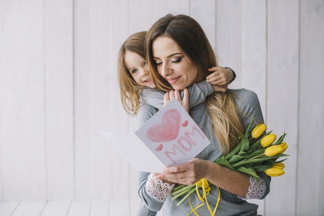 Cum sa-i arati dragostea copilului tau. 8 idei simple