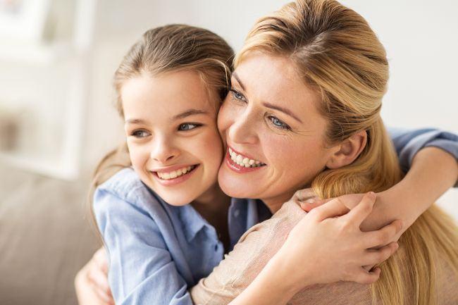 10 motive stiintifice pentru care ar trebui sa primesti 10 imbratisari pe zi