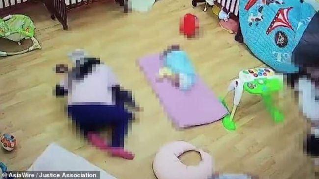 Bebelus omorat de ingrijitoare la cresa. Motivul pentru care l-a sufocat