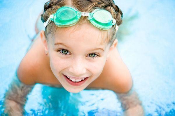 Beneficiile inotului pentru copii. Centre unde micutul tau poate practica inotul
