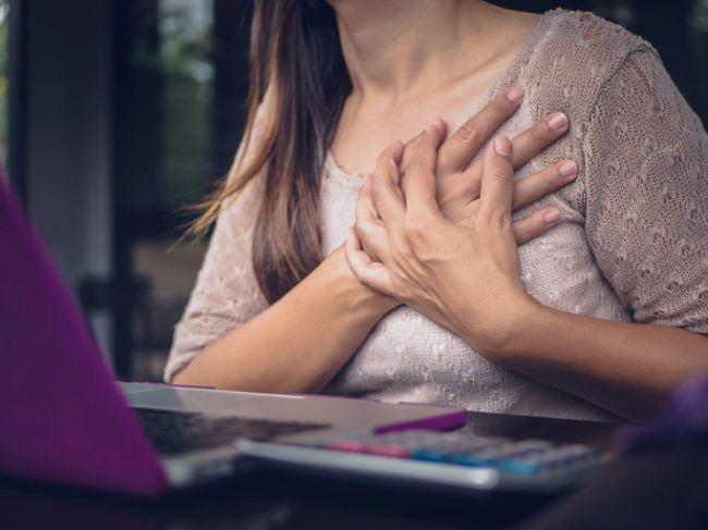 Studiu: Femeile sunt mai predispuse riscului de insuficienta cardiaca imediat dupa nastere