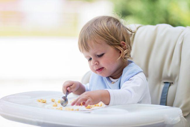 Cand se introduc ouale in alimentatia copilului
