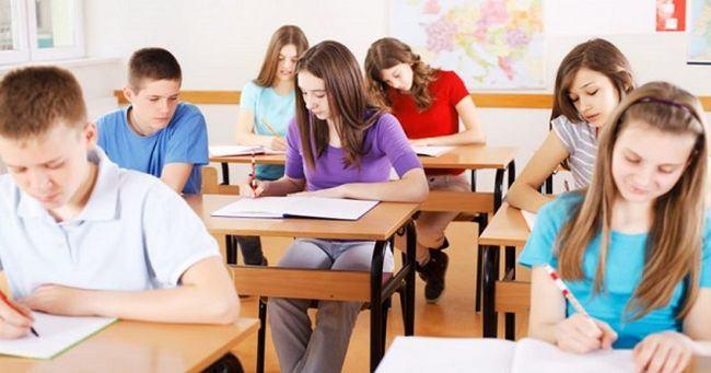 Anuntul ministrului Educatiei. Evaluarea Nationala de la clasa a VIII-a ar putea fi eliminata