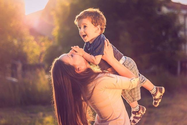 Moduri prin care sa ii arati copilului ca il iubesti