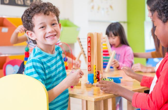 Ce invata copiii cand se joaca, in functie de varsta lor
