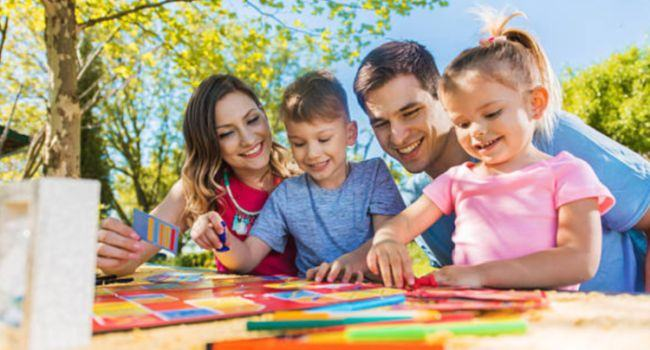 60% dintre parinti nu se joaca cu copilul lor doua ore pe saptamana