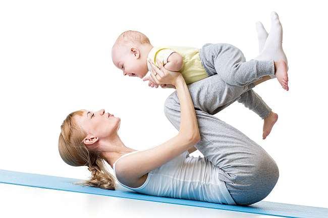 Dezvoltarea bebelusului. 12 idei de joaca utile pentru mamici!