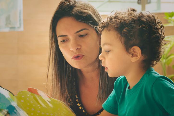 7 jocuri si activitati sa cresti un copil destept