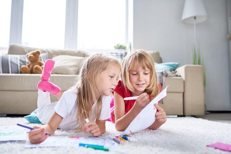 Idei de jocuri si activitati pentru a distra copiii cat stau in casa din cauza coronavirusului