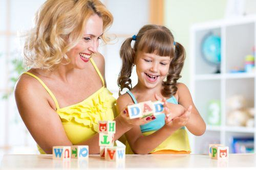 Jocul si importanta lui in dezvoltarea copilului. Afla ce beneficii are!