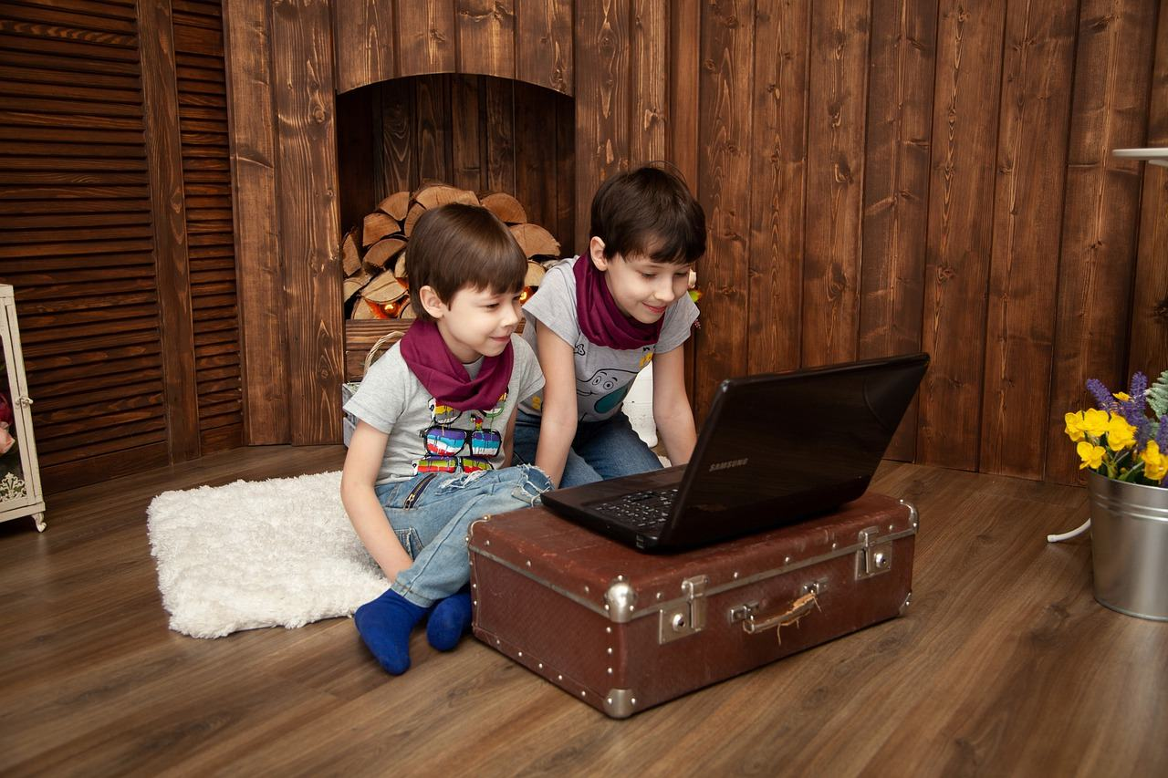 Beneficiile jocurilor video pentru copii