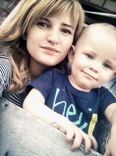 2 copii abandonati in casa de mama fara apa si mancare, timp de 9 zile