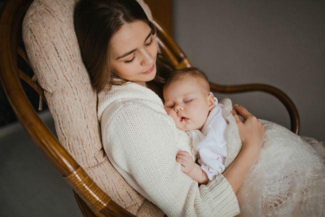 De ce functioneaza leganatul bebelusului? Ce spun cercetatorii