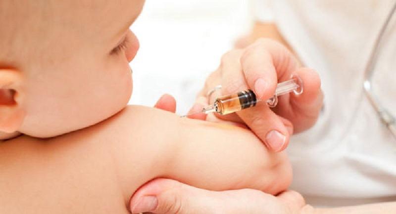 Vaccinarea NU va fi OBLIGATORIE. Cei care refuza sa-si vaccineze copiii TREBUIE sa mearga la consiliere