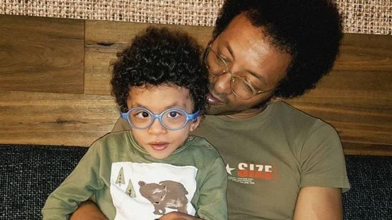 Kamara, despre fiul sau care se lupta sa traiasca. A suferit cinci interventii cu celule stem