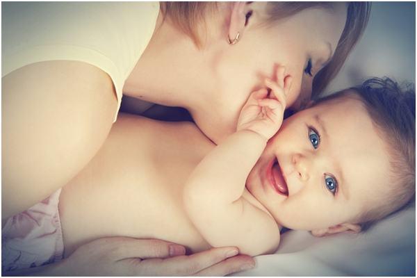 5 lucruri absolut normale, dar care le alarmeaza pe proaspetele mamici