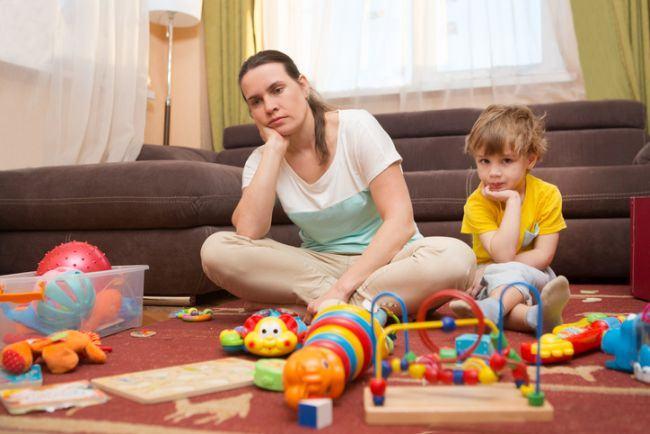Ce sa nu spui niciodata unei mame care sta acasa cu copilul
