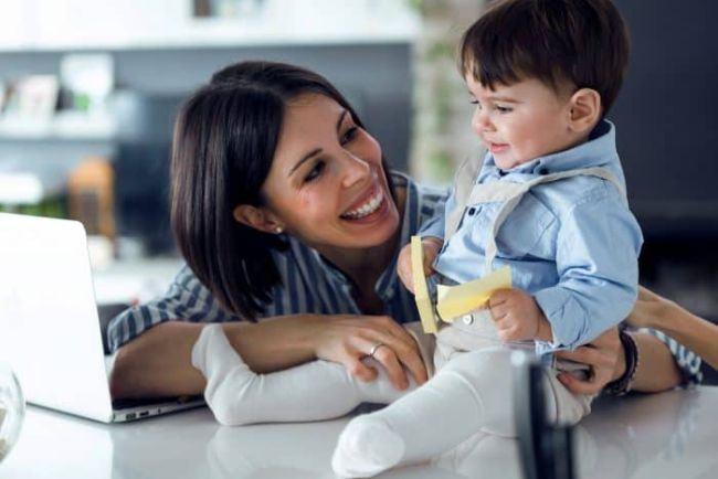 """Mama sau femeie de cariera? """"Munca va fi intotdeauna acolo, dar copiii mei nu vor fi intotdeauna mici"""""""
