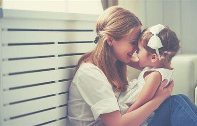 Daca esti o mama dragastoasa nu inseamna ca iti cresti prost copilul