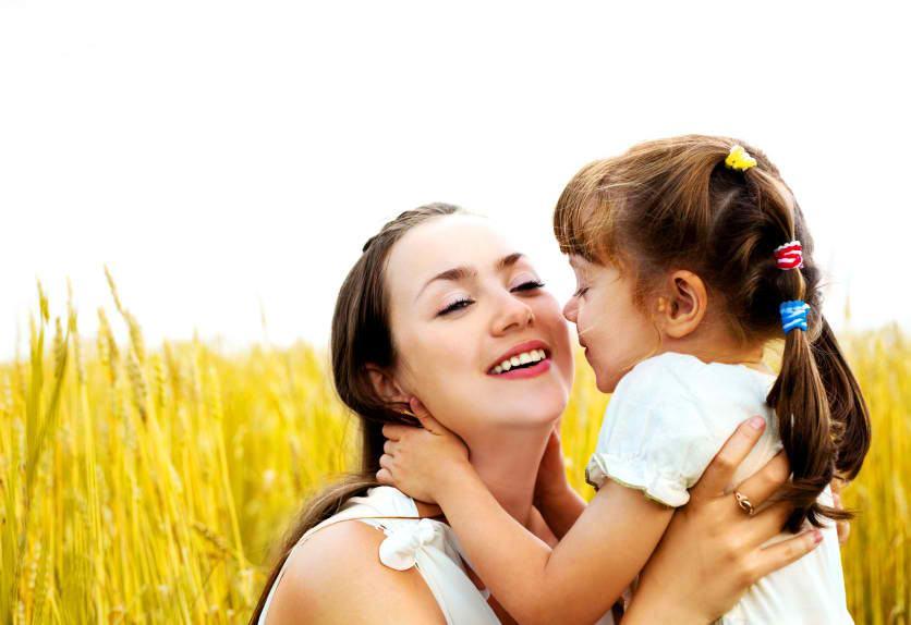 Ce sa-ti inveti fetita despre ce inseamna sa fii mama