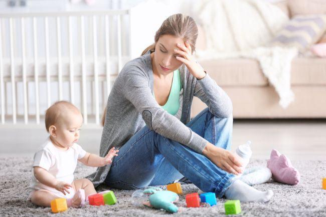 Ce nu iti spune NICIODATA o mama singura si ar trebui sa o intelegi