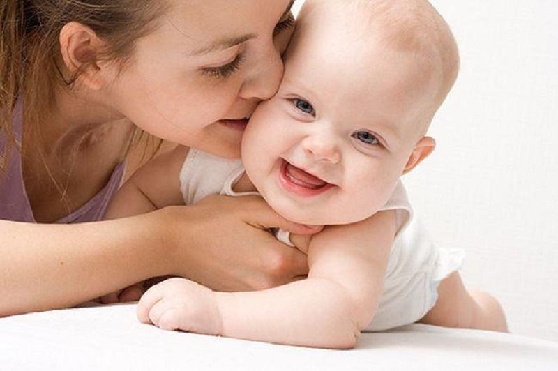 A fi mama este o ALEGERE. Instinctul matern este un MIT