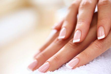 Cum faci sa-ti reziste manichiura mai mult timp