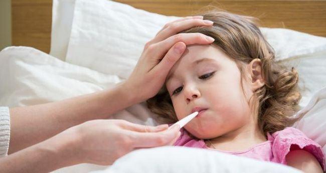 De ce pot fi periculoase medicamentele pentru raceala la copiii mai mici de doi ani