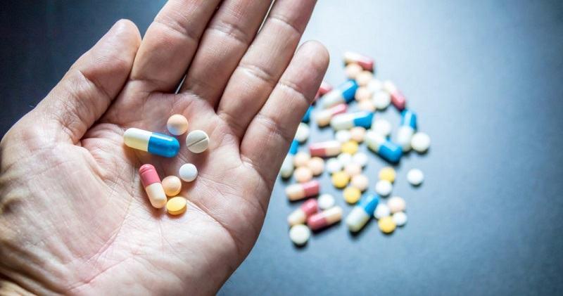 Restrictii pentru paracetamol si aspirina, din cauza unor cazuri grave. Paracetamolul, periculos pentru copii