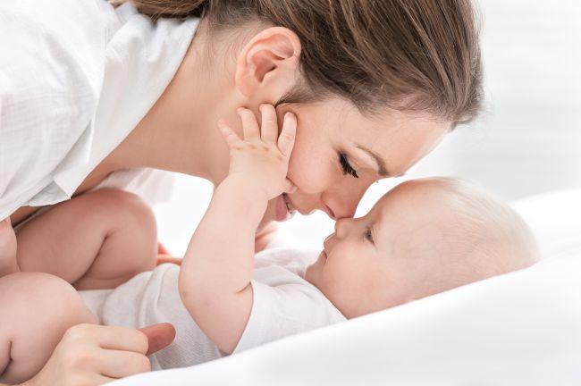 Mirosul de bebelus. De ce ne place atat de mult