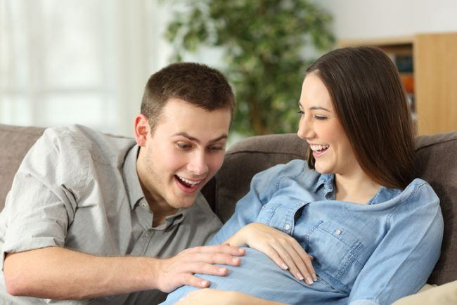 Bebelusul este prea activ in burtica? Specialistii explica de ce bebelusul se misca atat de mult
