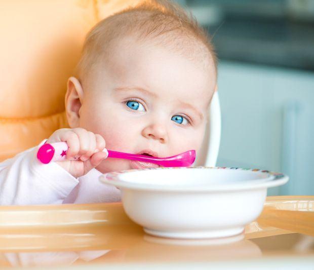 Top 7 mituri despre diversificarea hranei bebelusilor